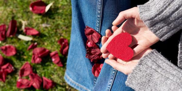 Valentinstag 2020: 20 Geschenkideen für sie und ihn mit Cashback